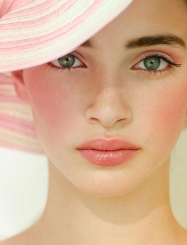 Женственный макияж