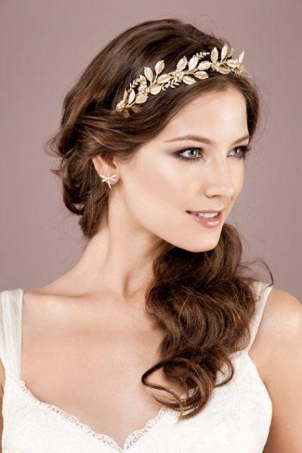 Простая свадебная прическа на длинные волосы - 44b